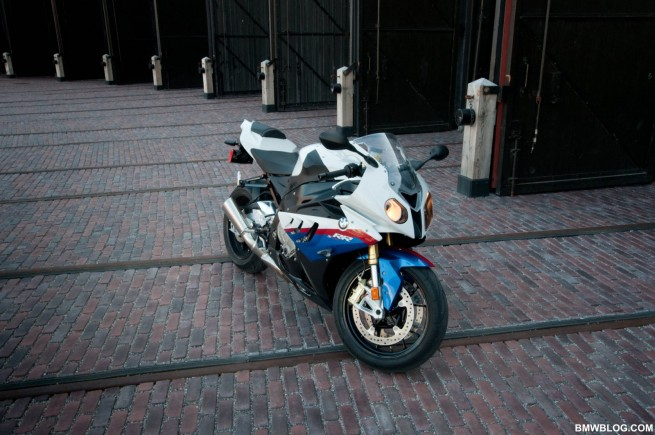 bmw-s1000rr-review-13