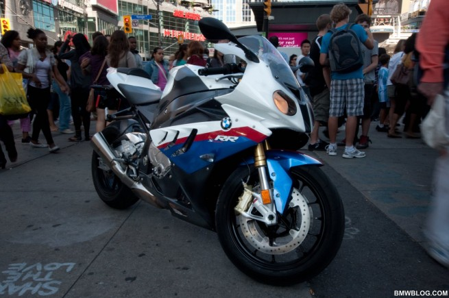 bmw s1000rr review 2 655x435