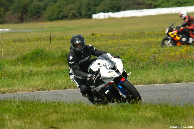 bmw-s1000rr-review-30