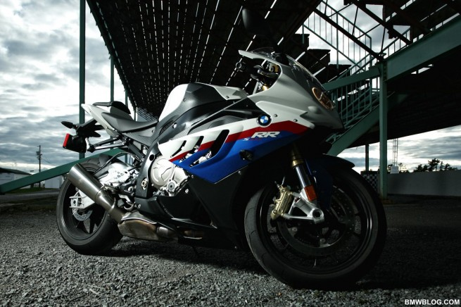 bmw s1000rr review 682 655x436