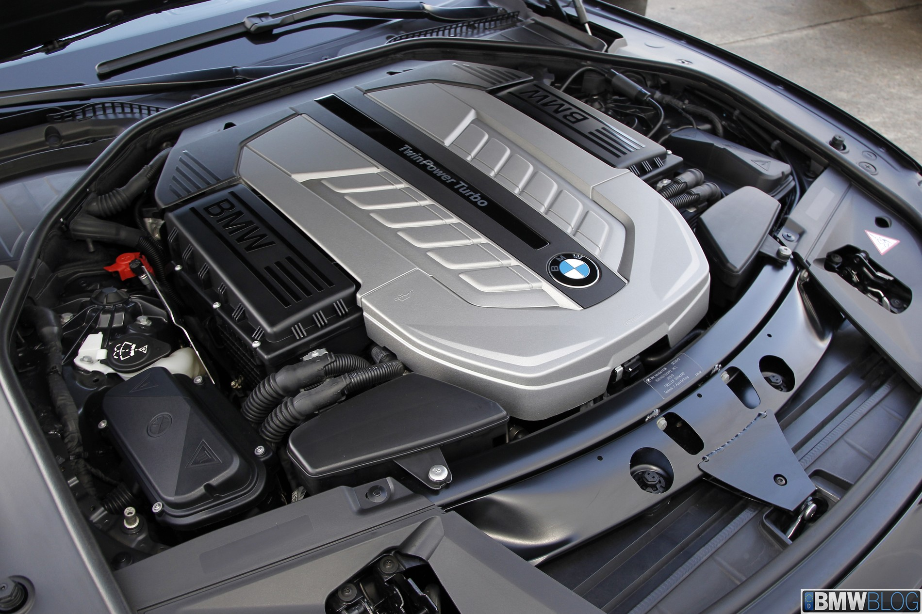 25 Years Of Bmw 12 Cylinder Engines