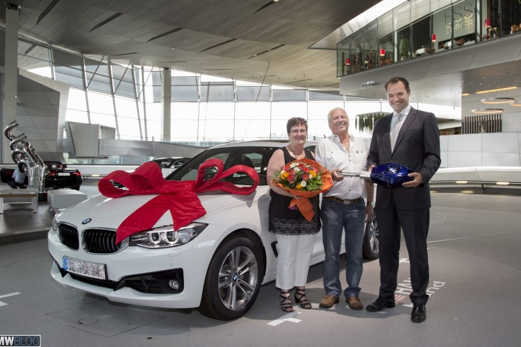 bmw welt delivery 02 750x500