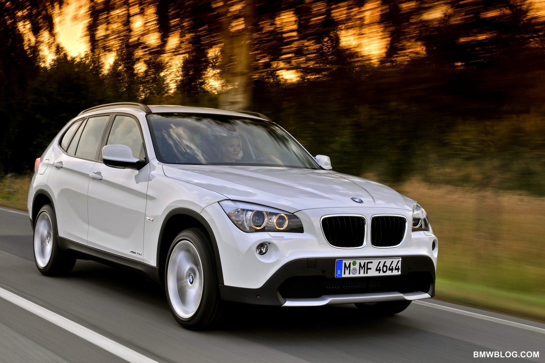 bmwblog test drive bmw x1 launches in canada. Black Bedroom Furniture Sets. Home Design Ideas