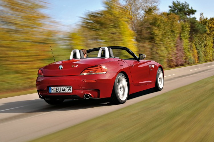 2011 BMW Z4 sDrive35is: The Highlights and Technology