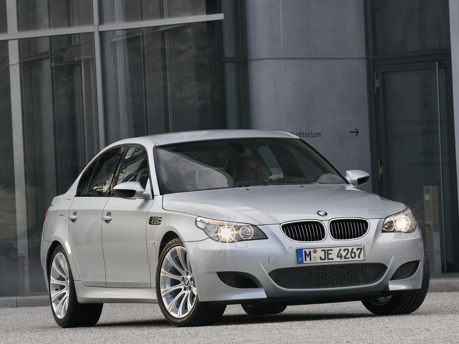 SMG Gearbox can almost ruin the E60 BMW M5 experience