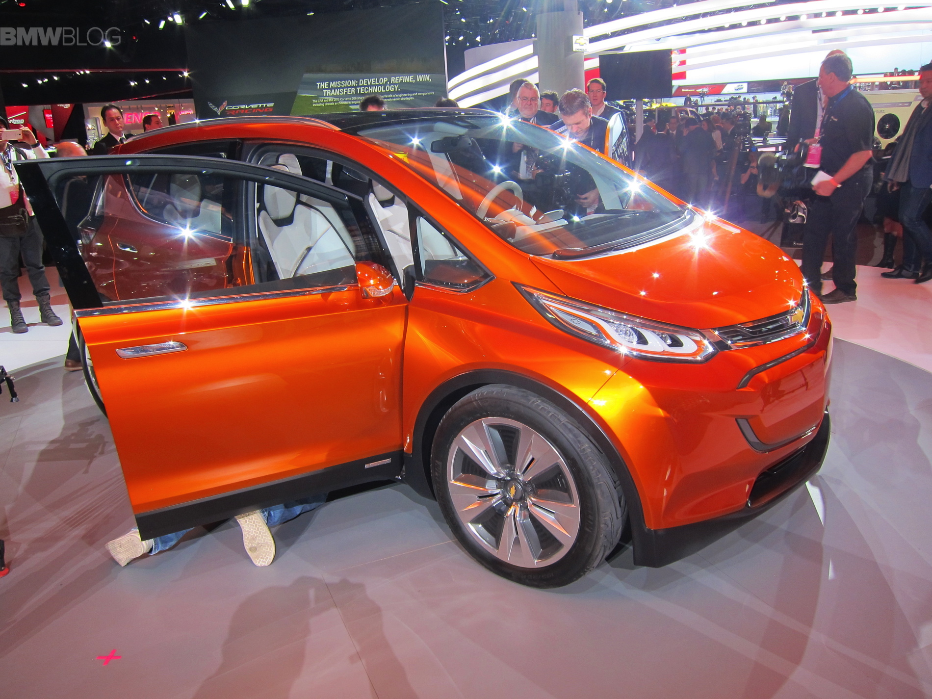 chevrolet bolt detroit 01