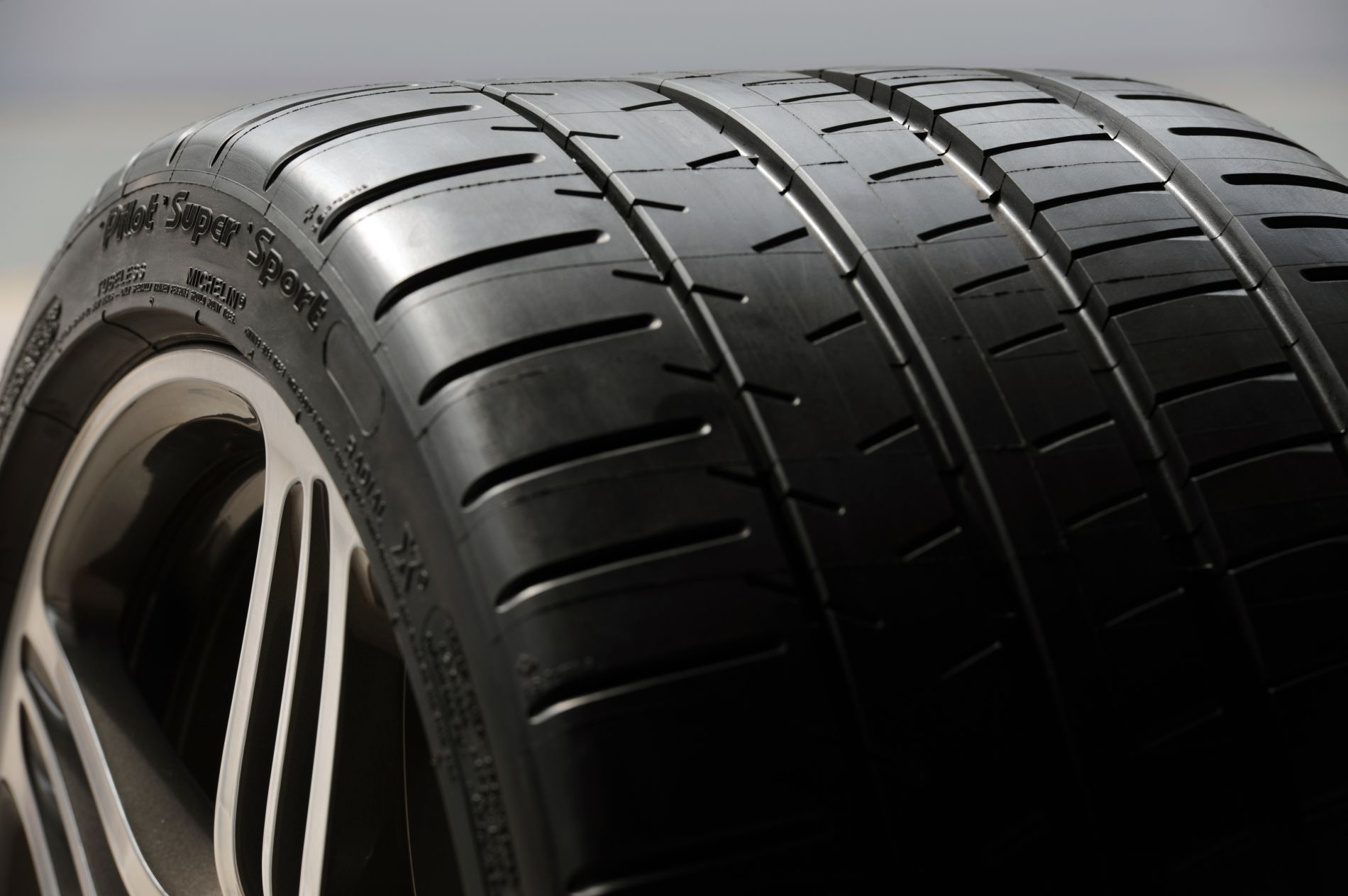 Bmwblog Tire Review Michelin Pilot Super Sport