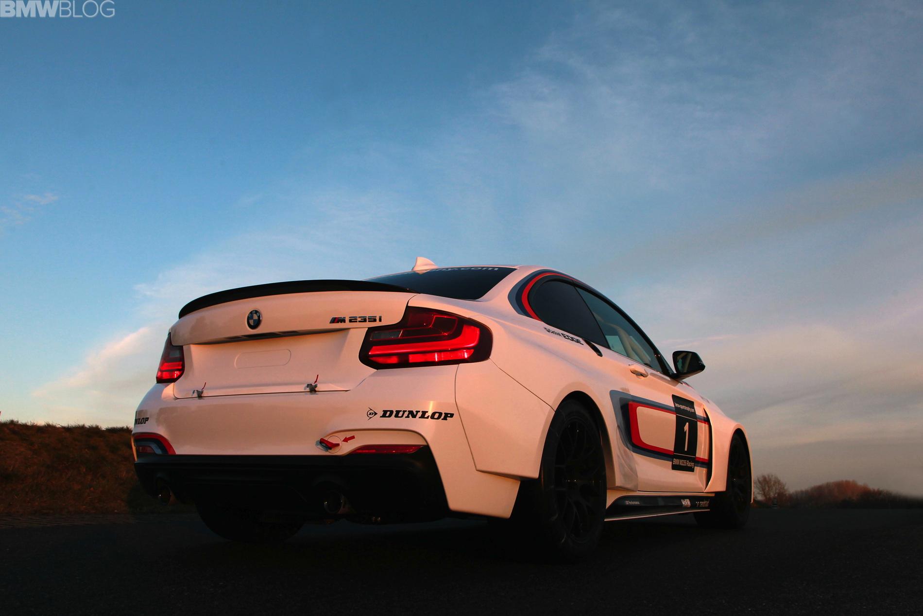 m235i racing 01