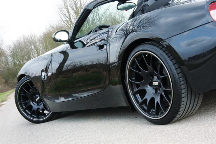 manhart bmwz z4m v10 side low 750x500
