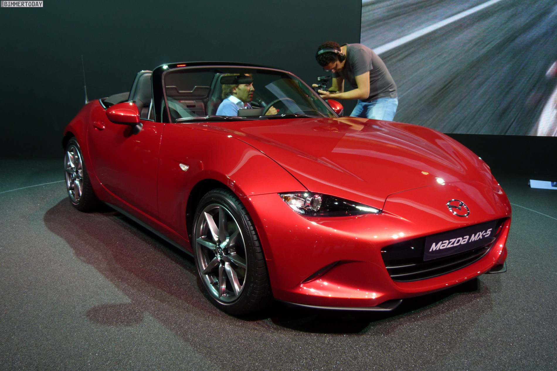 mazda mx5 paris motor show 1