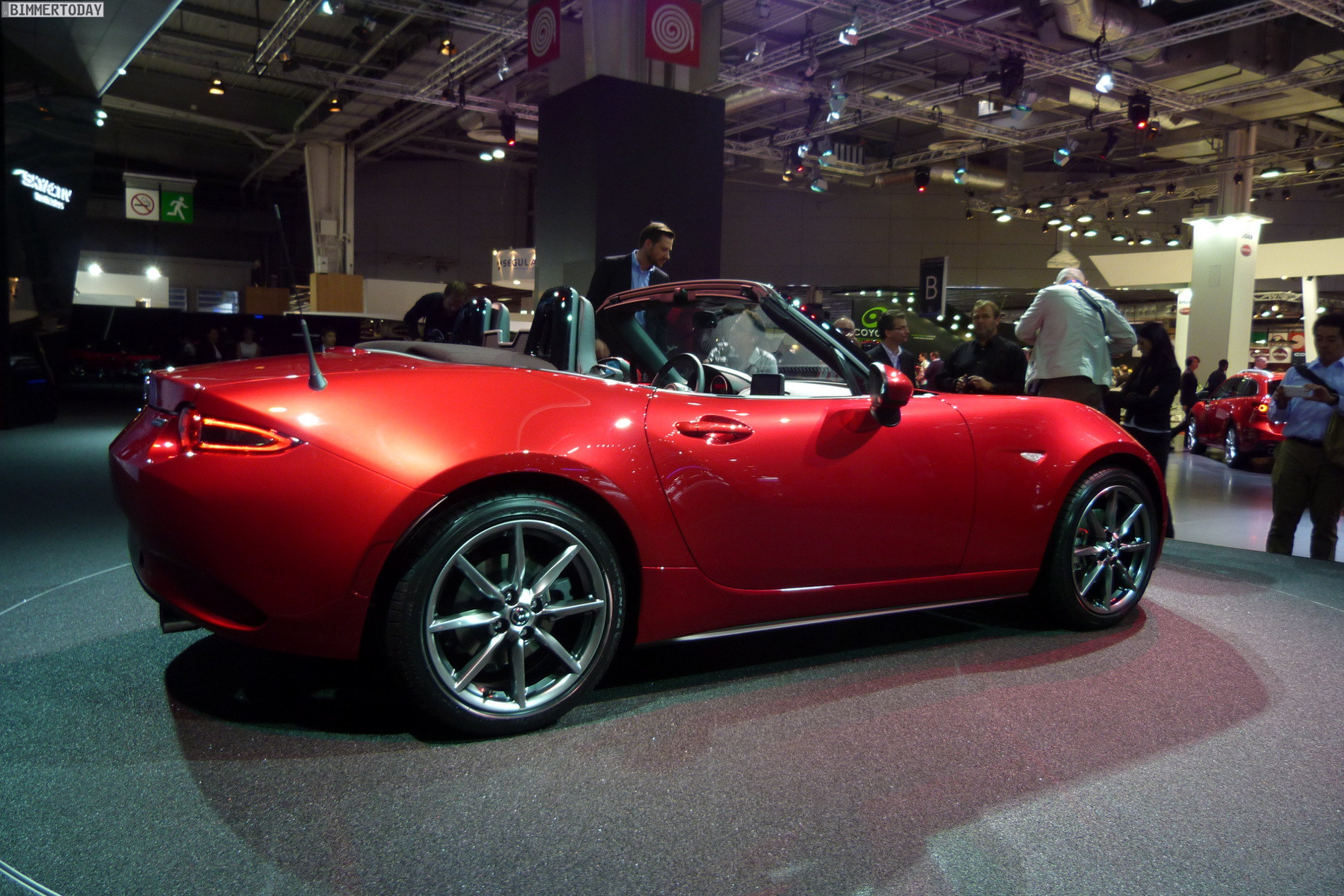 mazda mx5 paris motor show 38
