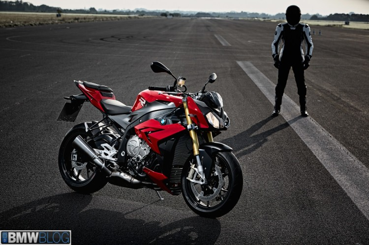 new bmw s100 r 01 750x499