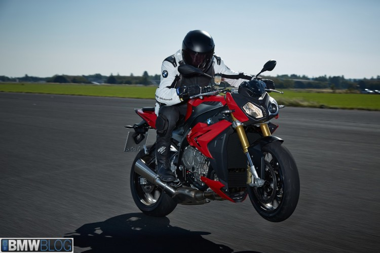 new bmw s100 r 02 750x500