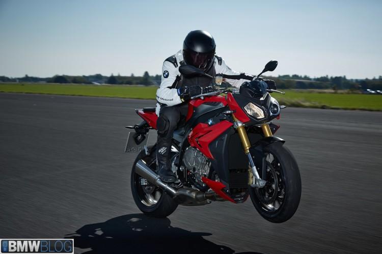new bmw s100 r 02 750x500