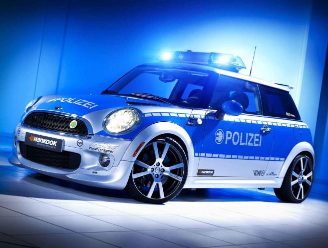 police mini 06 655x495