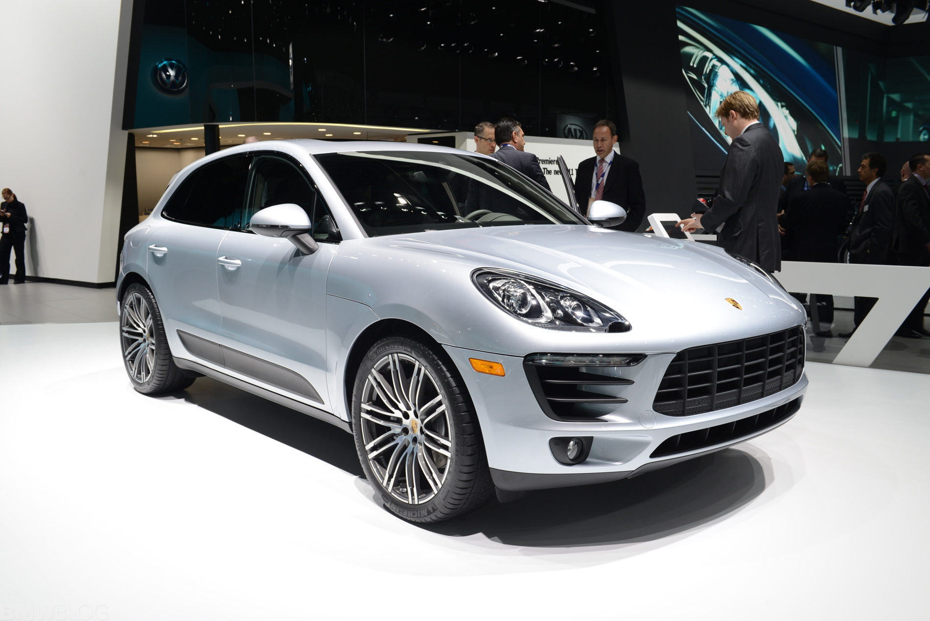 Porsche Macan At 2014 Naias
