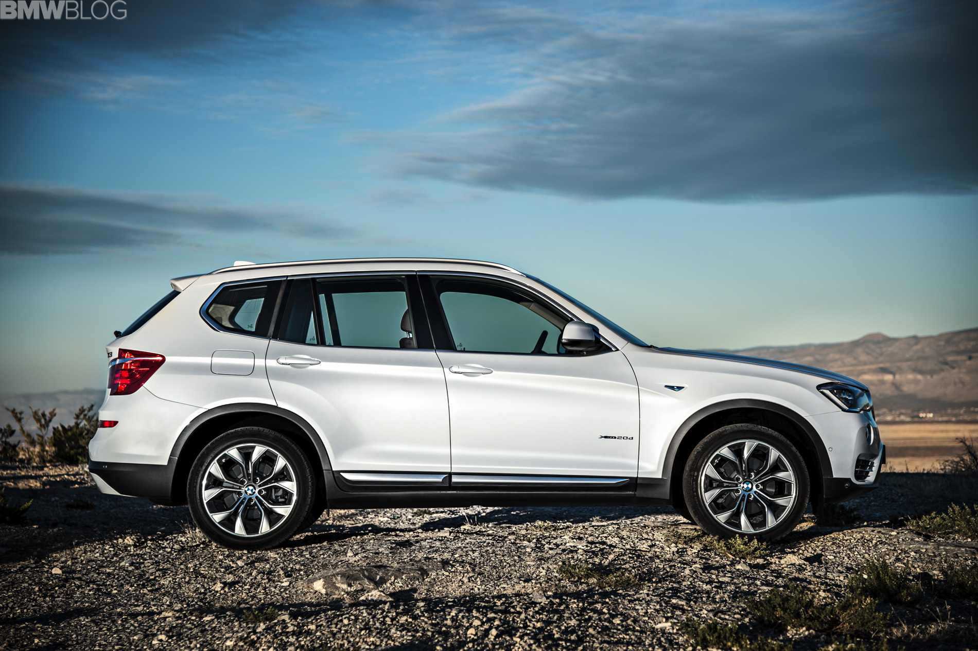 Volkswagen European Delivery >> BMW X3 and BMW X4: extended standard equipment, new ...