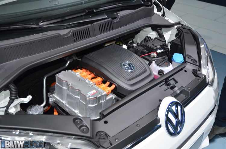 vw e up images 01 750x496